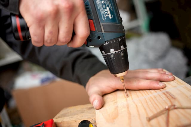 Best 18v Cordless Drills For DIYers (Reviews)