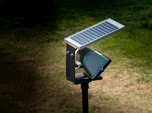 Best Solar Landscape Lights That Make Your Garden Beautiful
