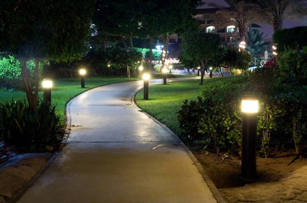 Where To Place Landscape Lighting? - Tips For First Time Homeowners